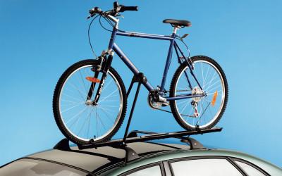 Fahrradträger auf Dachgrundträger